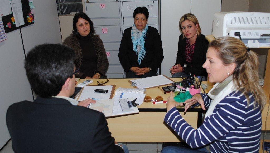 Força-tarefa do MPT e do MTE em reunião com conselheiras tutelares de Chuí (Foto: MPT)